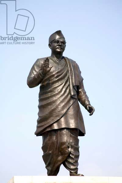 Subhash Chandra Bose, bronze statue, Indian freedom fighter, India (photo)
