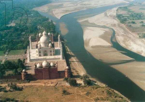 The Taj Mahal, Agra, India (photo)