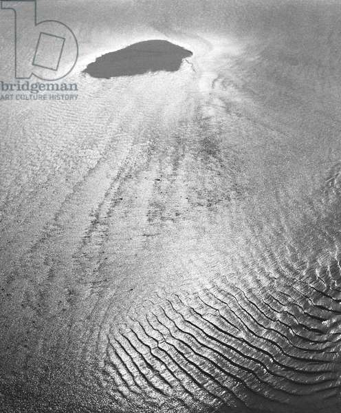 Sand, Porbandar (b/w photo)