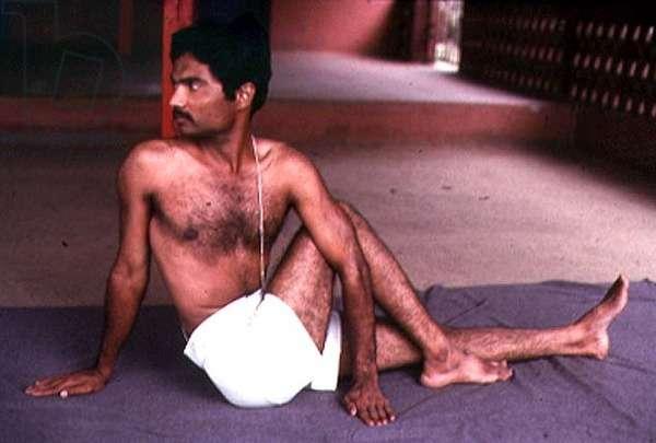 Vakra Asana position (photo)