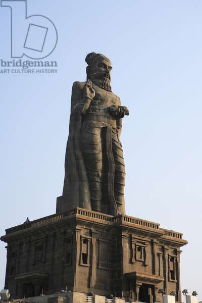 Statue of Tamil Poet Thiruvalluvar, Rocky Island, Kanyakumari, Tamil Nadu, India (photo)