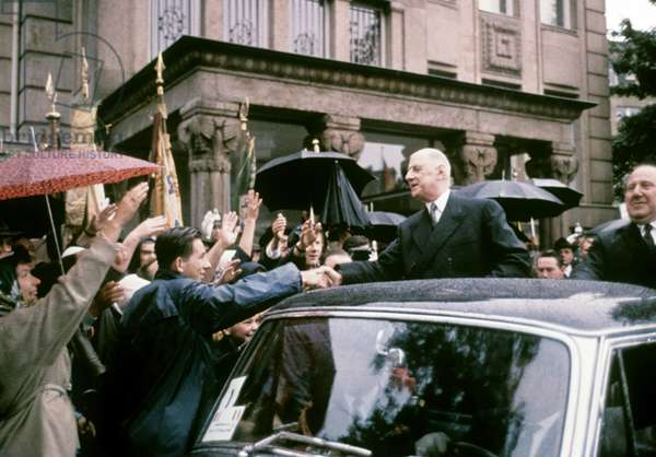 Charles de Gaulle in Germany 1962: French president Charles de Gaulle during his visit in Duesseldorf (Germany) in September 1962 (photo)