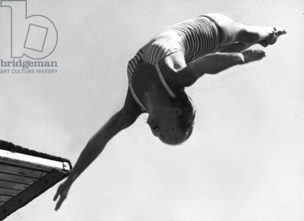 Patricia McCormick at the Olympic Games, 1952 (b/w photo)