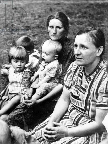 Third Reich - Volksdeutsche in refugee camp 1939