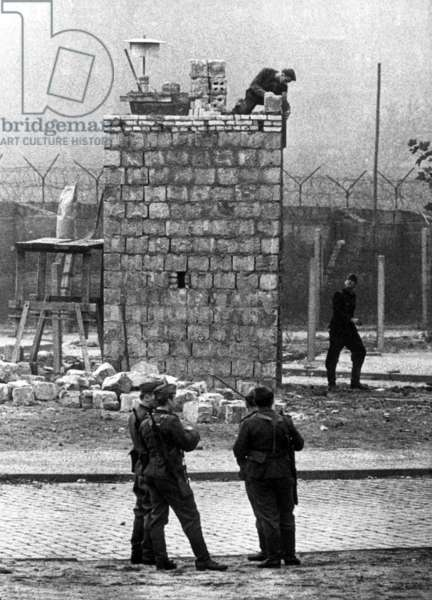 Construction of the Berlin Wall