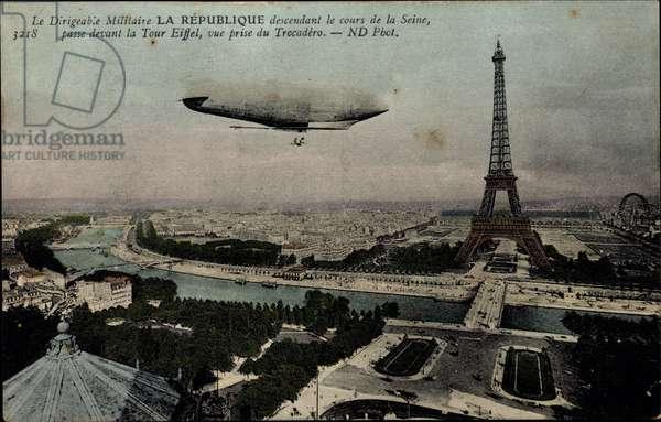 Paris, Le Dirigeable Militaire La Repiblique, Cours de la Seine, Tour Eiffel