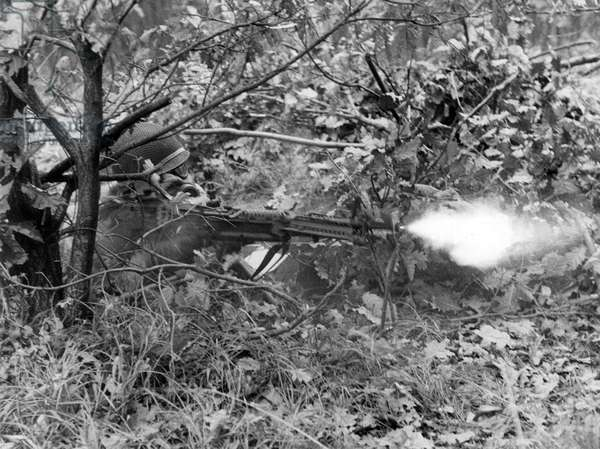 Firing MG during manoeuvre of US army in Grunewald in Berlin
