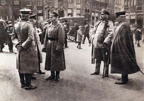 WW I- Hindenburg, Ludendorff in Brussels