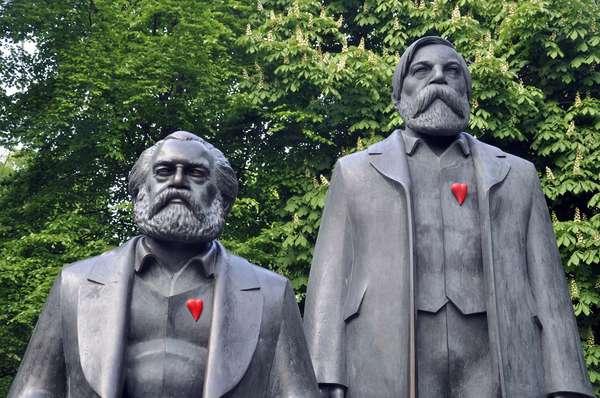 Statue Karl Marx et Friedrich Engels