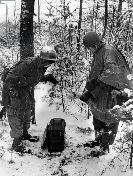 Manoeuvre of US army in wintery Grunewald in Berlin