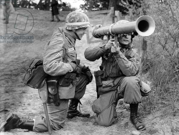 Two soldiers during manoeuvre of US army in Grunewald in Berlin