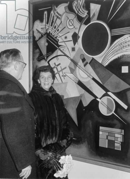 Nina Kandinsky (widow of Wassily Kandinsky) during the opening of a Kandinsky exhibition at the Staatliche Kunsthalle Baden-Baden on 10.7.1970 (b/w photo)