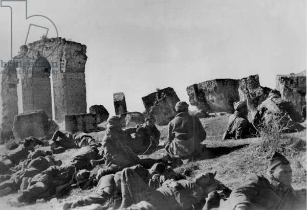 WWII - North African Campaign 1943 : The image from the Nazi Propaganda! depicts French prisoners of war during a break at the aqueduct of Zaghouan on the way to a prisoner camp in Tunis, Tunisia, published on 5 February 1943. Place unknown. Photo: Berliner Verlag/Archiv