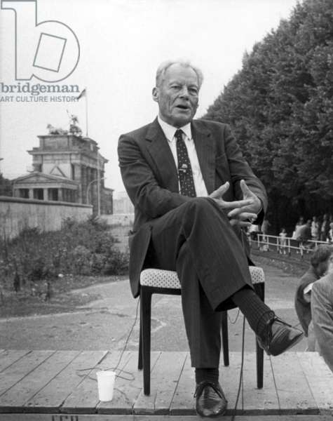 Willy Brandt interview at Berlin Wall
