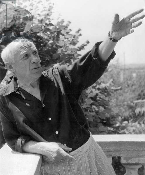 Portrait de l'artiste espagnol Pablo Picasso (1881-1973) (b/w photo)