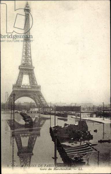 Paris, Inondation 1910, Gare des Marchandises, la Tour Eiffel