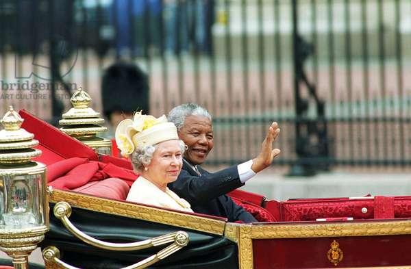 la Reine Elizabeth II et Nelson Mandela