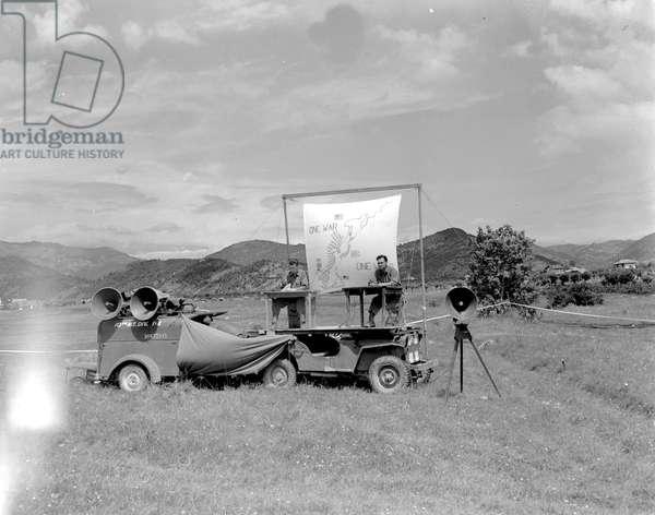 Mobile orientation unit near Cividale, June 28, 1945 (b/w photo)