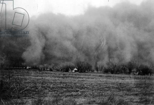 Dust storm in southern Colorado, 1935 (b/w photo)