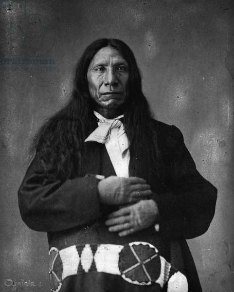 Chief Red Cloud of the Fetterman massacre and Ft. Phil Kearney wagon box-fight, 1872 (b/w photo)