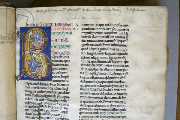 Illuminated and historiated initial 'B' depicting St. Jerome's letter to the Pope, from the Bible of Hugh de Puiset (vellum)
