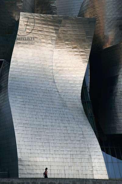 Spain, Basque Region, Guggenheim Art Museum by architect Frank Gehry, Bilbao (photo)