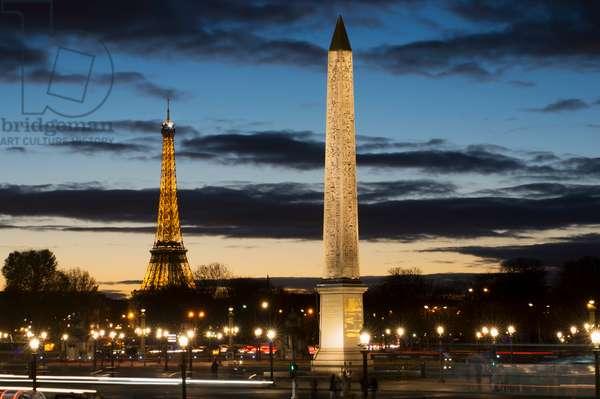Eiffel Tower and Place de la Concorde, Paris, France (photo)