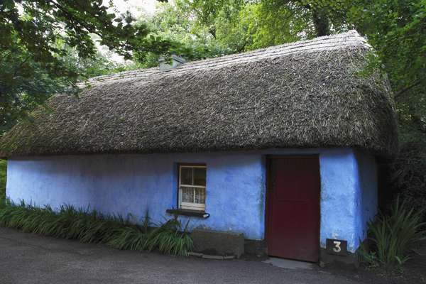 Thatch Cottage In Bunratty Castle Folk Park; County Clare Ireland (photo)