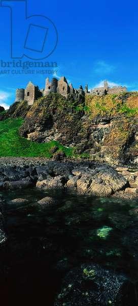 Dunluce Castle, Co Antrim, Ireland (photo)