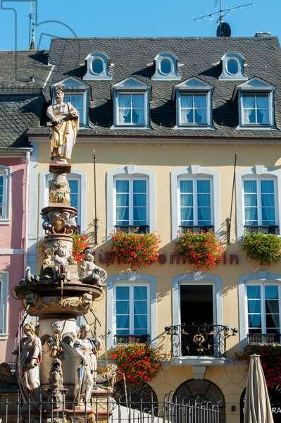 Colourful buildings in the market place, Trier, Rheinland-Pfaltz, Germany (photo)