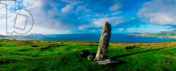 Ogham Stone, Dunmore Head, Dingle Peninsula, Co Kerry, Ireland (photo)