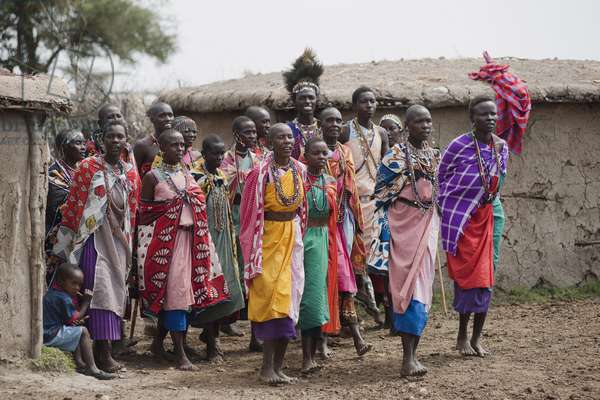 A Group of People in the Massai Village, Kenya, Africa (photo)