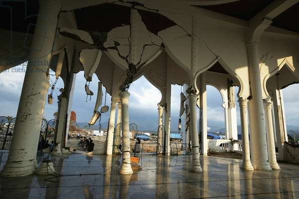 The mosque at Lampuuk hit badly by the enormous Indian Ocean earthquake and tsunami wave of 2004, near Banda Aceh, Aceh Province, Indonesia (photo)