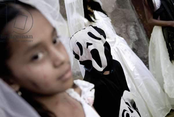 Children Dressed Up For the Mexican Day of the Dead, Mexico (photo)