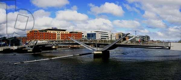 Dublin City, County Dublin, Ireland; Cityscape With Bridge (photo)