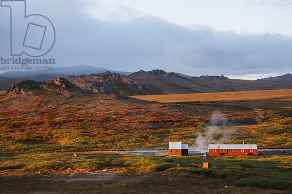 Bathhouse And Public Shelter At Serpentine Hot Springs And Fall Color On The Tundra With A Unique Geologic Feature Known As A Granite Tor, Near Serpentine Hot Springs,Bering Land Bridge National Preserve, Arctic, Northwest Alaska (photo)