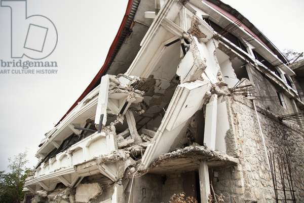 A Building Destroyed by the Earthquake, Port-Au-Prince, Haiti (photo)