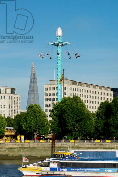 Starflyer in Southbank with Shard, London, England, UK  (photo)