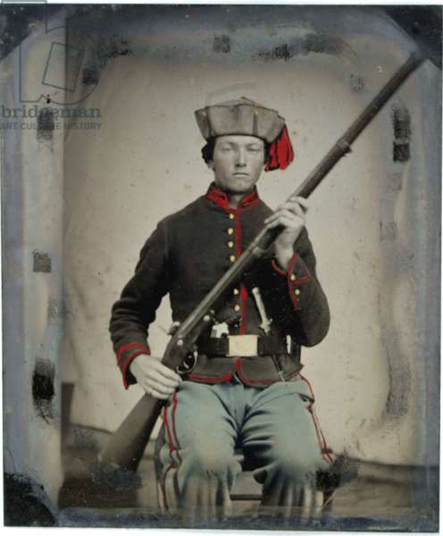 Soldier of the 54th Ohio Piatt Zouaves with musket and Bowie knife