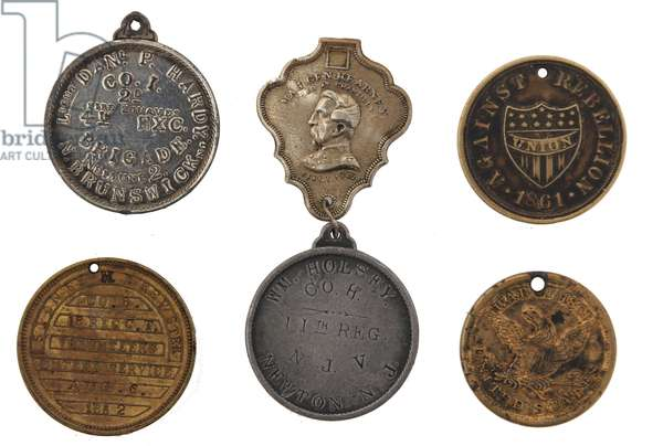-Group of different styles of Union soldiers identity discs