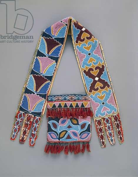 Shoulder bag, Delaware, c.1890 (wool, cotton, silk ribbon & glass beads)
