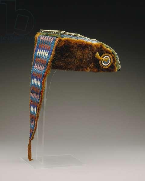 Turban, Mesquakie, c.1880 (otter pelt, cotton fabric, silk ribbon, glass beads & bearclaw)