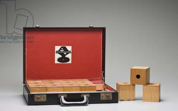 Fingerbox, 1964-65 (vinyl, wood, plastic & metal)