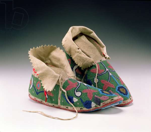 Moccasins, Eastern Sioux, c.1890 (buckskin, rawhide, fabric and glass beads)