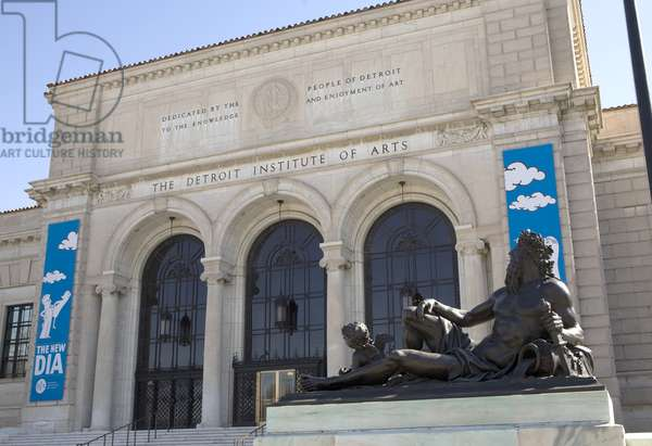 Exterior view of the Detroit Institute of Arts (photo)