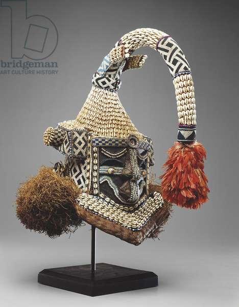 Mwaash a Mbooy (wood, cowry shells, glass beads, raffia)