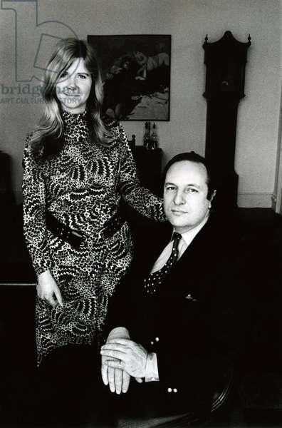 Jilly Cooper and her husband Leo Cooper, 1972 (b/w photo)