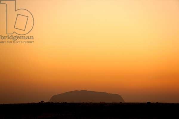 Uluru / Ayers Rock, at sunrise (photo)
