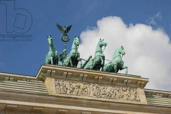 Quadriga chariot driven by Victoria (photo)