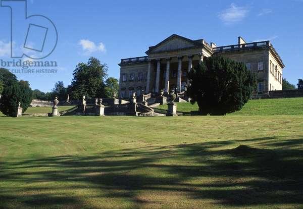 View of the Palladian villa (photo)
